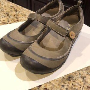 Merrill Mary Jane shoe